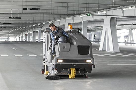 Bodenreinigungsmaschinen für  Untergruppenbach